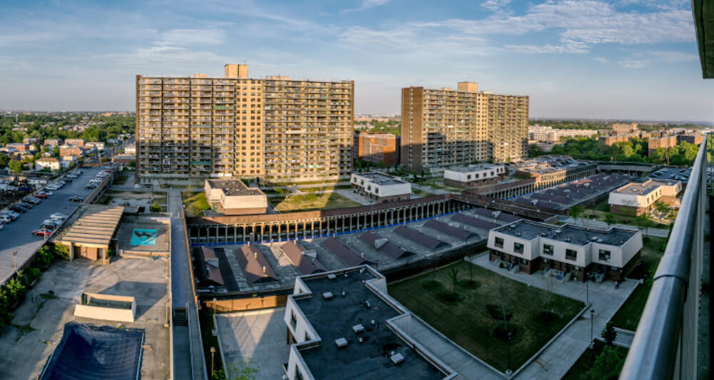 파멜라가 살고 있는 아파트. 빌 드 블라시오 시장의 '저렴주택 20만호 공급' 정책으로 건물주 업체가 변경되고 일부 수리가 되며 임대료가 껑충 뛰었다. [사진 제공 Adi Talwar]