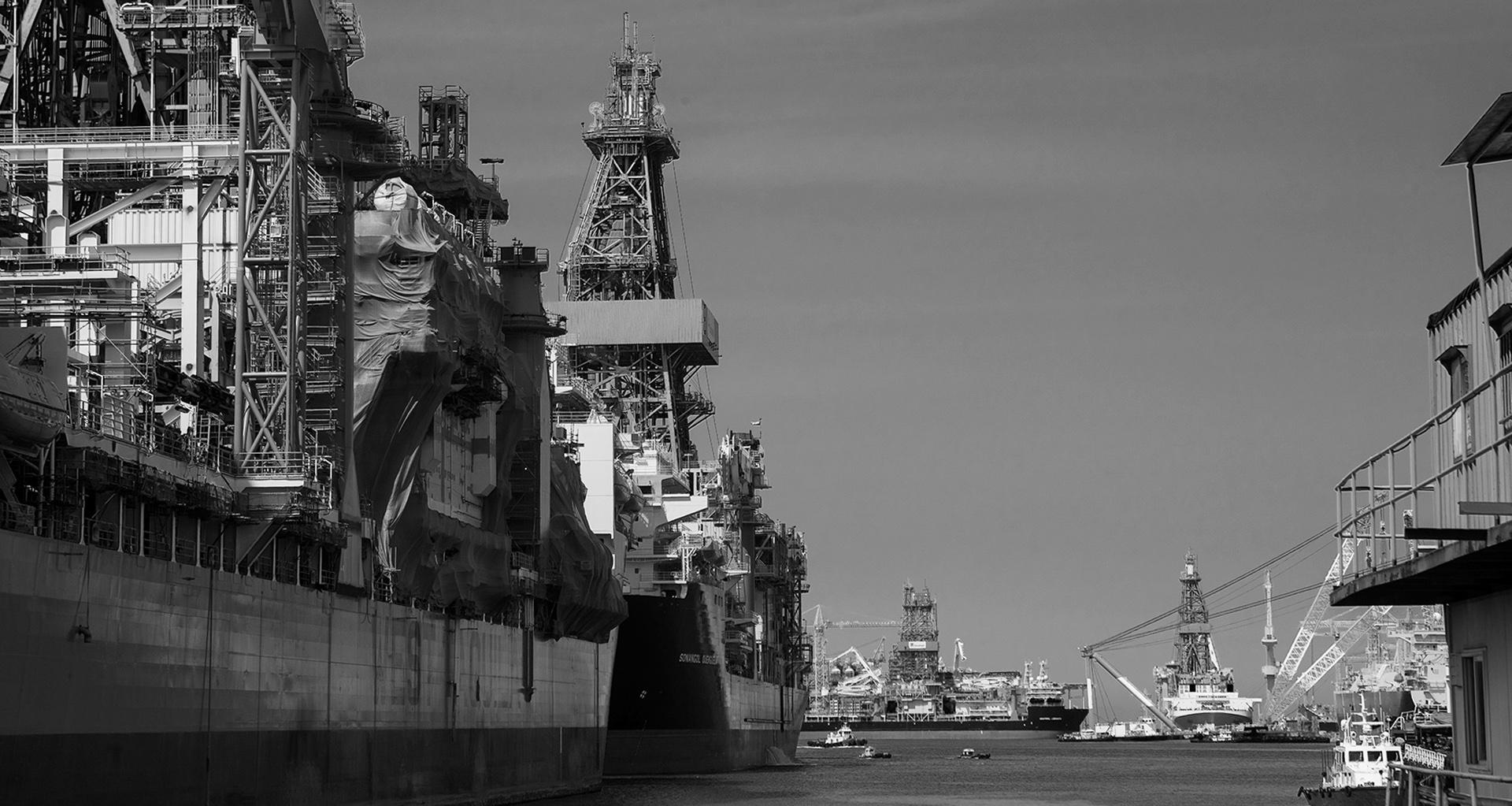 대우조선해양을 위기에 빠뜨린 해양플랜트. 선주가 배 인수를 미루면서 위기가 시작됐다.